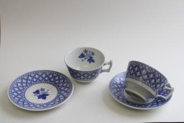 Spode England geranium pattern, vintage blue & white china tea cups & saucers