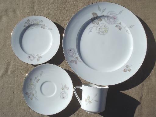 Sweetheart Rose vintage Johann Haviland Bavaria china dinnerware set for 6