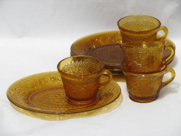 Tiara vintage daisy sandwich amber glass snack sets