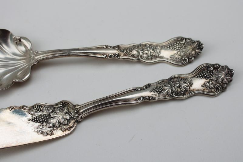 Vineyard grapes ornate antique silver plate berry spoon & butter knife 1906 patent Oneida