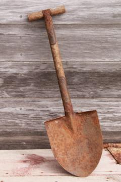 WWI vintage army trench shovel, antique trenching tool, small spade w/ wood handle