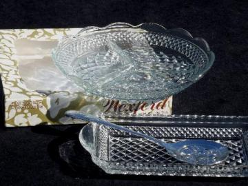 Wexford pattern glass cranberry tray and spoon, divided relish dish plate
