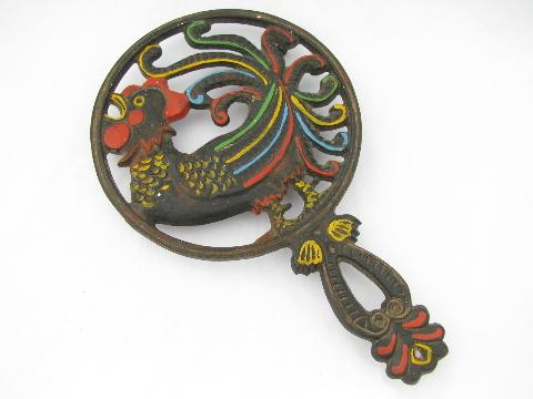 Wilton cast iron trivet w/ hand-painted rooster, vintage kitchen