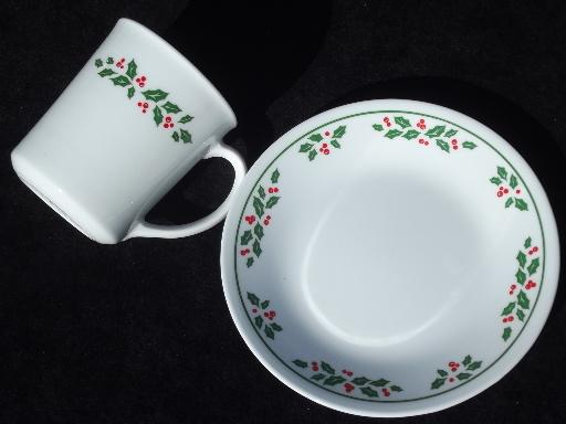 Winter Holly Corelle dishes setfor 8 Christmas mugs bowls plates & Holly Corelle dishes setfor 8 Christmas mugs bowls plates