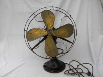 antique Century 16 in brass blade oscillating fan w/wire cage and 1914 patent