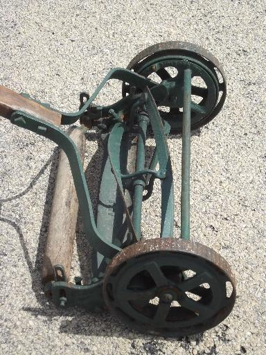 antique Trojan manual push reel lawn mower, WWI vintage w/steel wheels