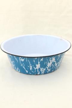 antique blue swirl enamelware dishpan, big old primitive bowl, vintage kitchen graniteware