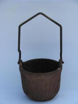 antique cast iron cauldron pot, cute small size w/ handle to hang over rod