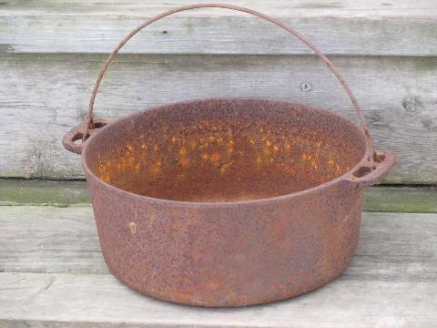 Antique Cast Iron Kettle Bean Or Stew