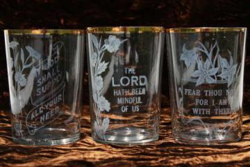 antique glass tumblers with Bible verses for grace, early 1900s vintage drinking glasses