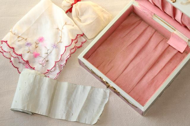antique hanky box, Victorian vintage dresser box marked Handkerchiefs