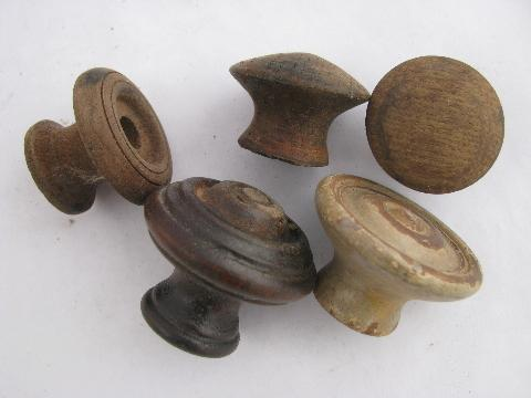 Antique Hardware Lot Primitive Old Wood Drawer Pulls Large Jar Asst Wooden Knobs