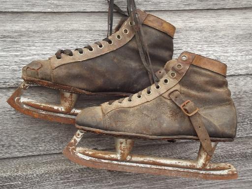 b356ac338 antique ice skates