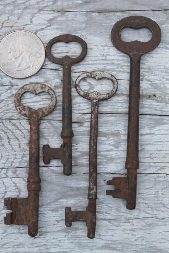 Antique Key Collection, Lot Of Vintage Skeleton Keys, Gate Keys, Old Door  Lock Keys