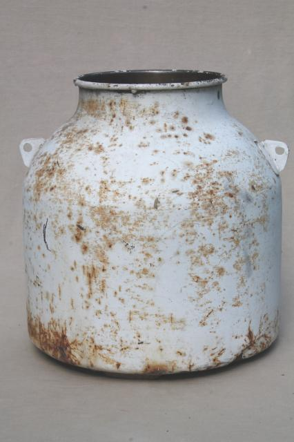 antique steel milk pail, early 1900s vintage dairy bucket w/ shabby old whitewash