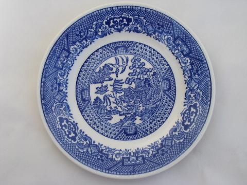 antique \u0026 vintage Blue Willow china lot of 18 bread \u0026 butter or dessert plates & antique \u0026 vintage Blue Willow china lot of 18 bread \u0026 butter or ...