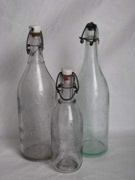 antique vintage bottle lot, porcelain / wire bail lid bottles w/ old advertising