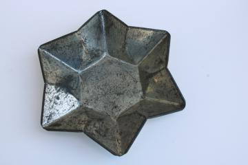 antique vintage tin pudding mold or cake pan, six point Christmas star