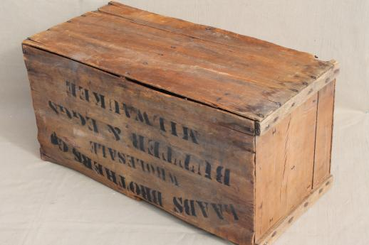 Antique Wood Box Stenciled Laabs Milwaukee Butter Eggs Primitive