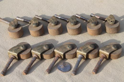 Bon Antique Wood Wheel Casters, Old Wood Caster Furniture Wheels, Large Lot Of  40