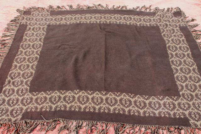 antique wool jacquard pattern blanket or carriage robe, Civil War vintage Lincoln shawl