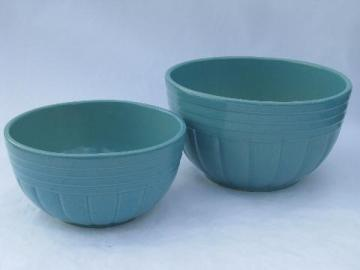 aqua blue country stoneware nest of kitchen mixing bowls, Robinson-Ransbottom pottery, Roseville O