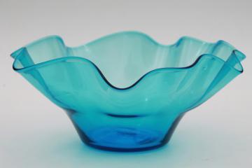 aqua ocean blue art glass bowl, hand blown Mexican glass, vintage Mexico souvenir