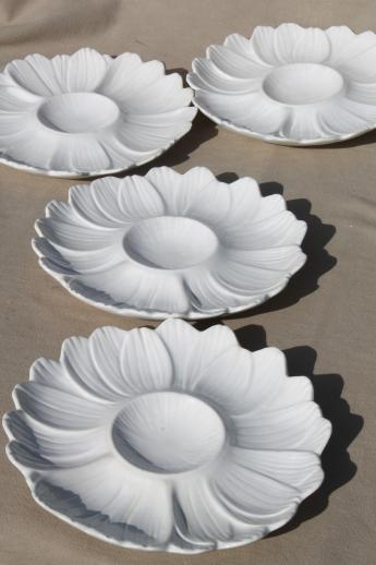 artichoke plates set white ceramic flower shaped plates for serving artichokes or salad & artichoke plates set white ceramic flower shaped plates for serving ...