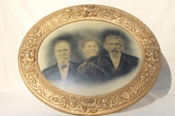 beautiful old carved wood oval frame w/ antique 1880s very solemn family photo, instant ancestors