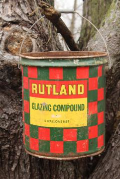 big old metal bucket, Rutland red & green checkerboard plaid paint rustic vintage Christmas
