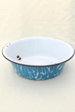 big old primitive bowl, 1920s 30s vintage blue swirl enamelware dishpan