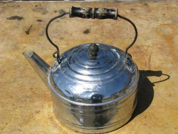 http://www.laurelleaffarm.com/item-photos/big-old-tinned-copper-tea-kettle-vintage-Revere-Laurel-Leaf-Farm-item-no-w42449t.jpg