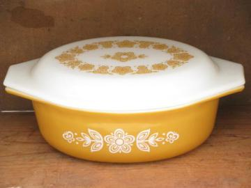 butterfly gold retro vintage harvest gold Pyrex glass casserole dish