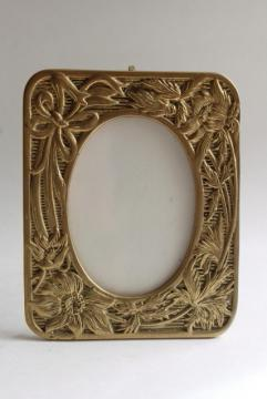 cast brass picture frame w/ floral design, 80s vintage easel stand photo frame