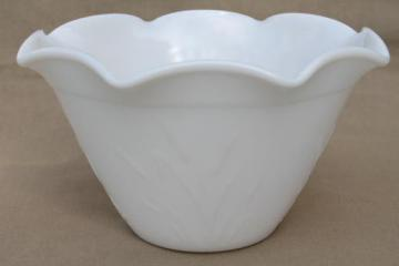 cat tail pattern milk glass bowl, vintage Hazel Atlas cattail kitchen glass mixing bowl