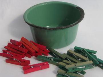 child size jade green enamelware washtub & tiny clothespins, doll's laundry