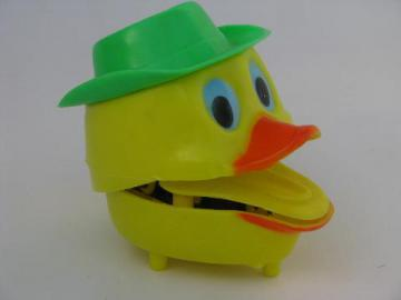 clacking quacking hard plastic vintage Easter wind-up duck toy