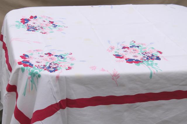 collection of 50s 60s vintage tablecloths, retro prints for kitchen, dinette, patio table!