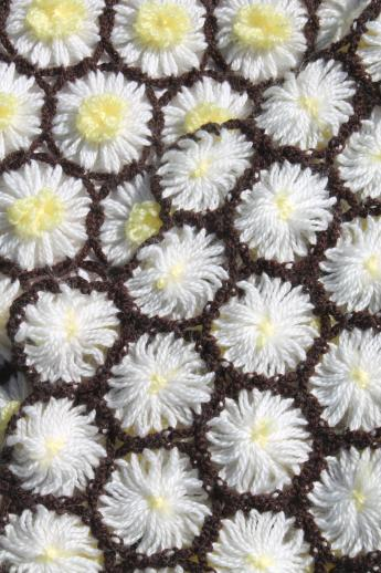 crazy daisy flower loom crochet hairpin lace afghan, white & yellow yarn daisies throw