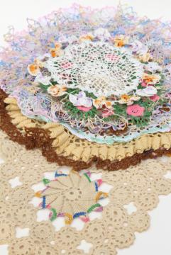 crochet flower doily lot, vintage lace doilies pretty colored thread flowers