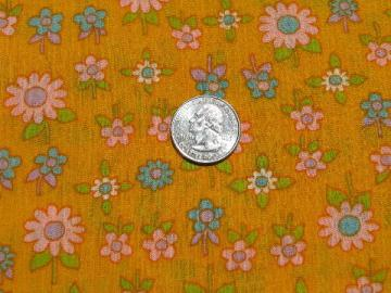 daisies on yellow-gold, 60s hippie vintage crinkle gauze cotton fabric