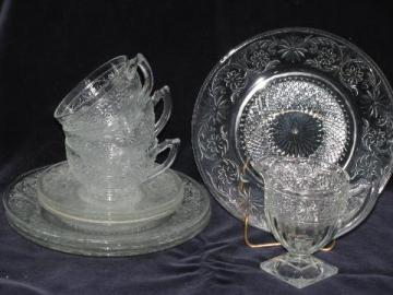 daisy pattern depression glass luncheon set, vintage Indiana