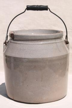 dated 1890s vintage crock, antique stoneware jar w/ wire bail wood handle