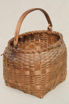 early 1900s vintage Winnebago Indian basket, old antique woven ash wood handle basket