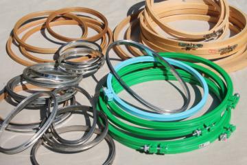 embroidery hoops lot, 30 vintage & new needlework frame hoops in plastic, metal & wood