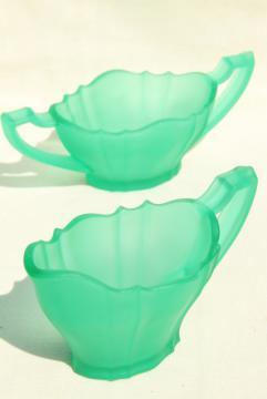 emerald green satin glass frosted cream & sugar set, art deco vintage depression glass