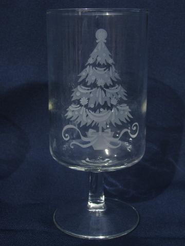 etched glass Christmas tree holiday glasses, vintage ...