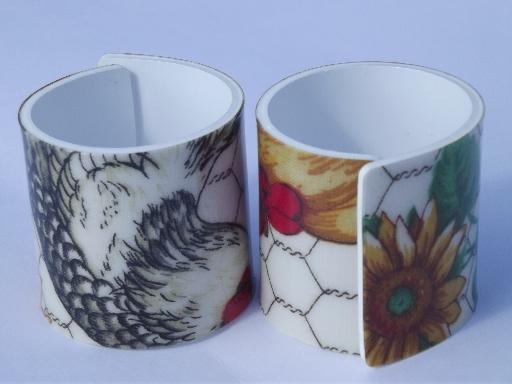 farm country chickens plastic napkin rings, rooster and chicken wire print