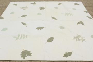 farmhouse style vintage cotton quilt w/ applique leaves, soft natural greens on white