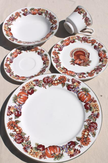 fine stoneware Thanksgiving china dinnerware w/ turkey \u0026 fall harvest pumpkins & stoneware Thanksgiving china dinnerware w/ turkey \u0026 fall harvest ...